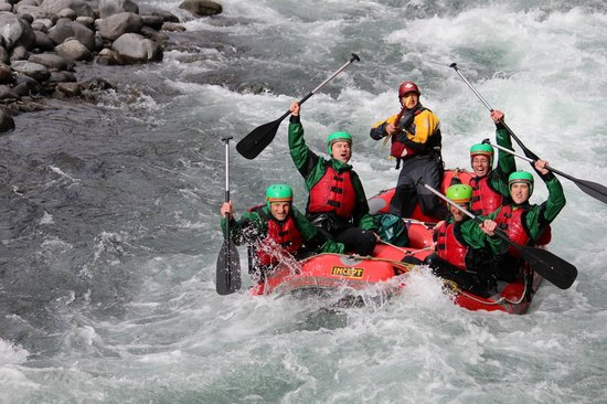 Rafting New Zealand: Smile and say cheese!
