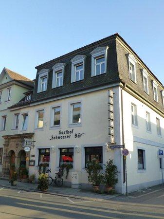 Schwarzer Bar