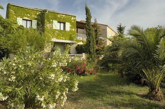 Jardin photo de residence spelonca corbara tripadvisor for Jardin residence