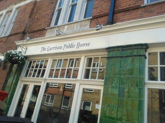 Garrison Public House: Garrisons Public House exterior
