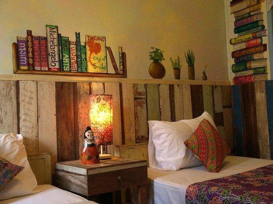 Phranakorn-Nornlen Hotel: Reading section