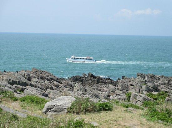 Oshima Island : 東尋坊発の遊覧船
