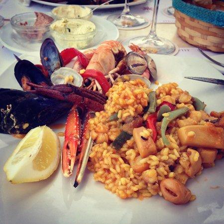 Restaurante Es Mollet De S'illot : paella