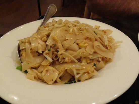 Pato Thai Cuisine: Delicious Noodle dish