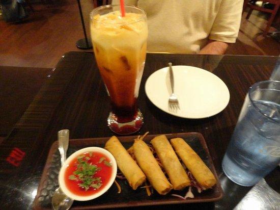 Pato Thai Cuisine: Spring rolls, Thai tea