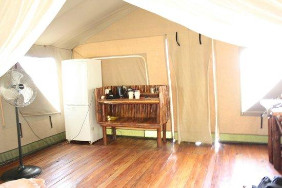 Rain Farm Game and Lodge: Tea and Coffee Station