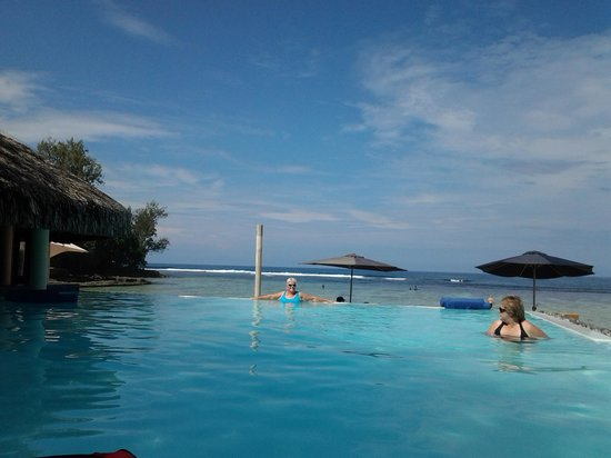 Breakas Beach Resort Vanuatu: the beautiful pool