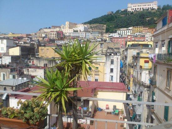 Sui Tetti di Napoli: Terrasse vue sur la Certosa San Martino