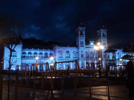 Hotel San Sebastian: AYUNTAMIENTO DE DONOSTI