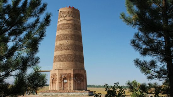 Токмак, Киргизия: Tokmok (Balasagun بلاساغون): Burana-Turm (Karakhanid Minarett)