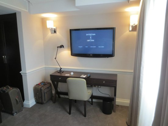 The Ampersand Hotel: Desk and TV