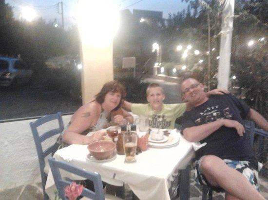 Steki Restaurant : Heerlijk zitten !!