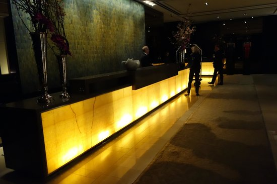 Langham Place, New York, Fifth Avenue: Reception
