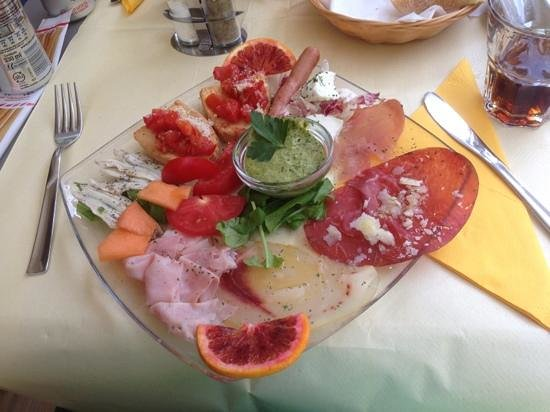 Il Pirata delle Cinque Terre: Mixed cold dishes