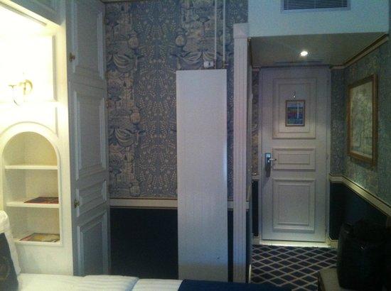 Carlton Lausanne Boutique Hotel: room
