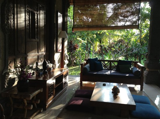 Alam Shanti: sitting area on terrace