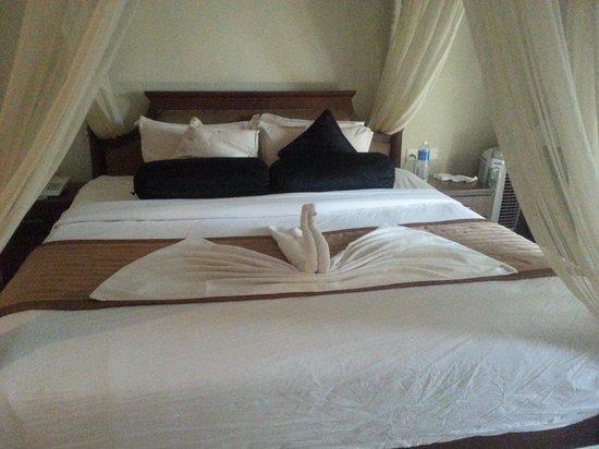 Tangerine Resort: 4 poster bed