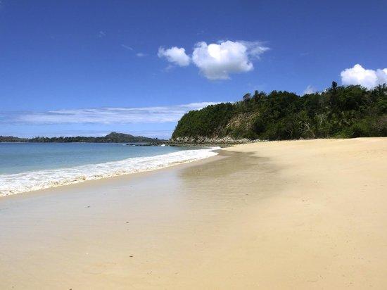 Loharano Hotel: La spiaggia di Sakatia