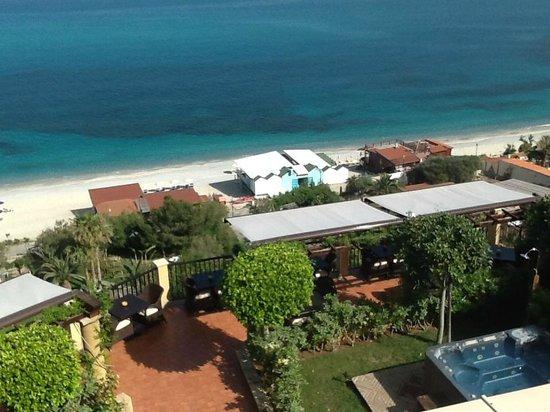 Hotel Rocca Della Sena : Strand na 180 treden te bereiken