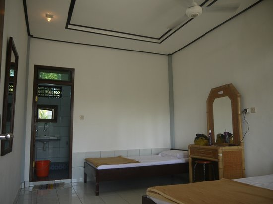 Brata Home Stay II: New house at second floor , 2012 May price is 120000 for 1 person