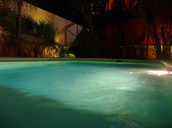 Uolis Nah : Pool