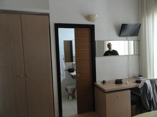 Hotel Cala Luna : chambre