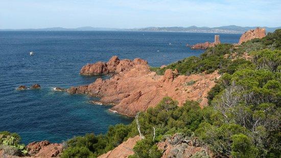 Аге, Франция: du rouge du bleu et du vert