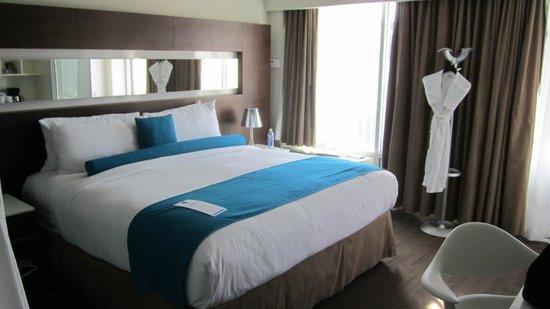 Hotel Le Bleu : Bed