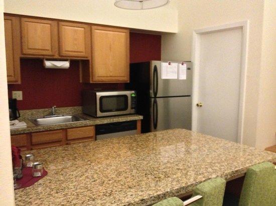 Residence Inn Denver Tech Center: Kitchen