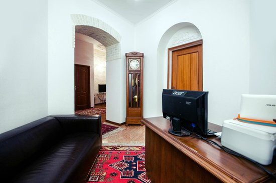 City Loft Rooms: Hall