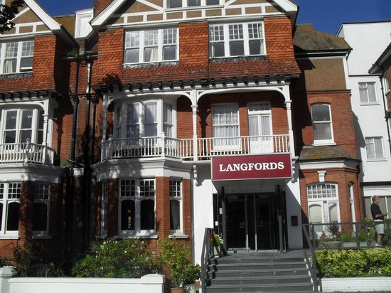 Langfords Hotel: Parte frontal do hotel