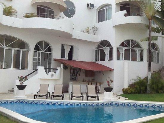 Villa Mia: Gran Dias pool area