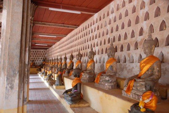 Wat Si Saket: Ranked Buddhas
