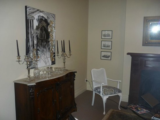 The Grange Guesthouse & Motel: common area