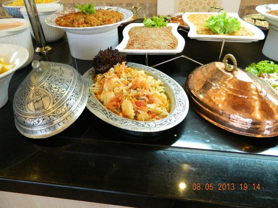 Club Adakoy Resort Hotel: Dinner buffet