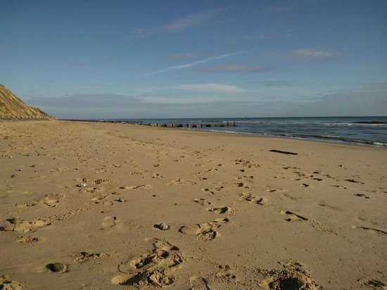 The Manor Hotel: Mundesley Beach 5 mins from the Hotel