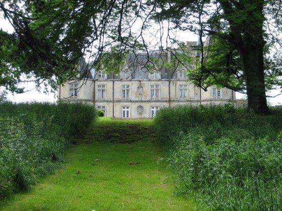 Chateau de la Flocelliere : Vue du parc de 15ha en promenade