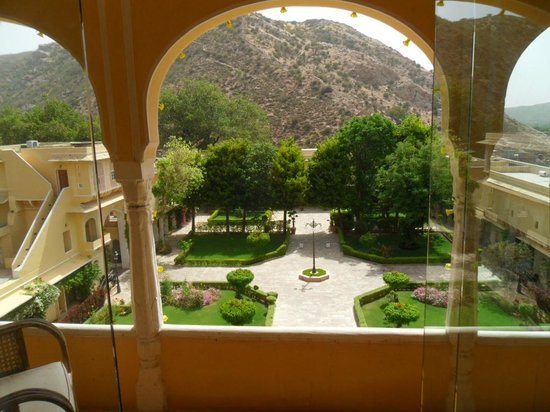 Samode Palace: The view from our room