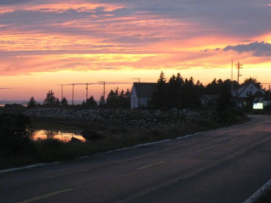 Century House Bed & Breakfast Pottery & Gallery: Sunset over Mahone Bay