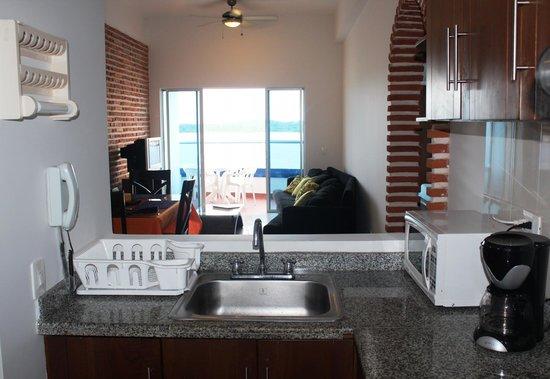 Apartamento Amoblado Mirador del Laguito: Cocina / Kitchen
