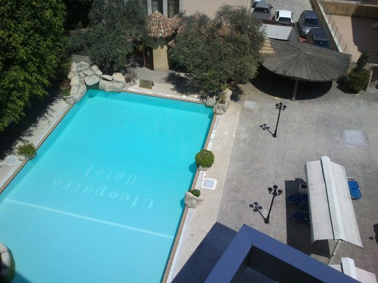Cleopatra Hotel: The pool was not made ready yet - I hope!