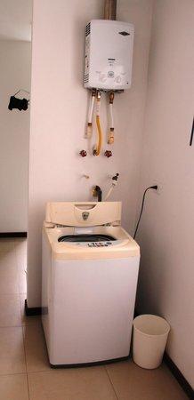 Apartamento Amoblado Mirador del Laguito: Utilidades / Utilities