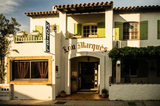 Lou Marques : hôtel façade