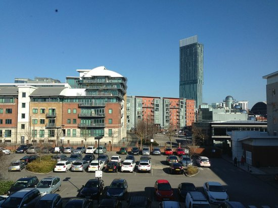 Premier Inn Manchester City Centre (Deansgate Locks) Hotel: Room with a view