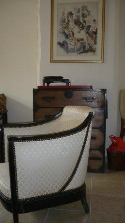 Galerie Huit : Art Deco armchair Josephine Baker suite