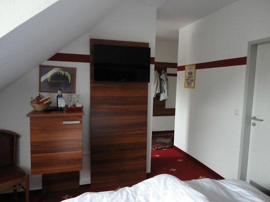 Hotel Burgschmiet: L'interno della camera