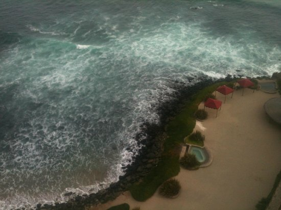 Las Olas Resort & Spa: art shot