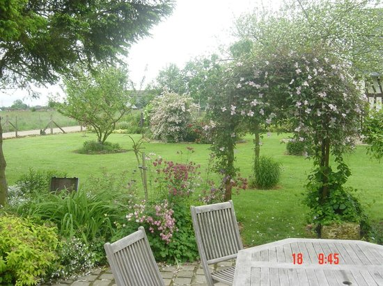 Chambres d'Hotes du Panorama : jardin paysager