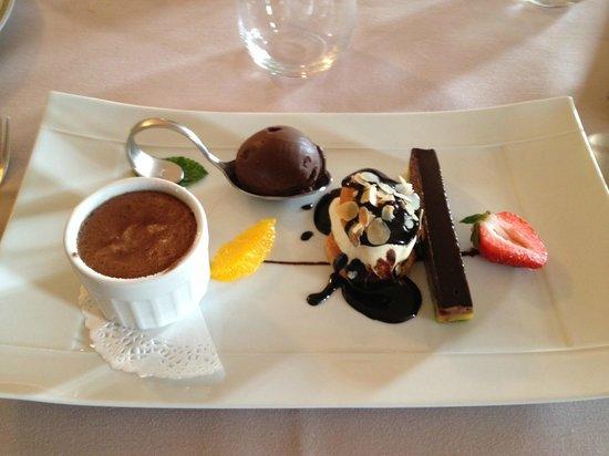 Auberge des Chenets: Quadrilogie de chocolat (excellent)