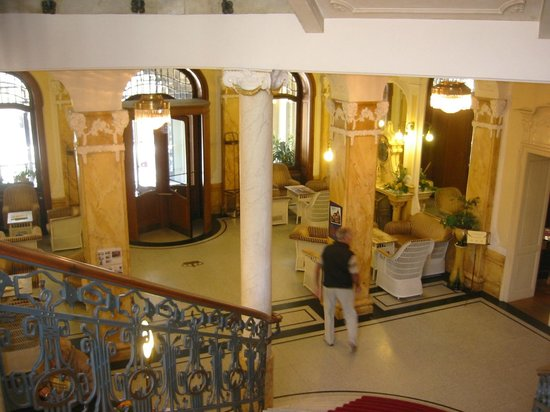 Hotel Royal St. Georges Interlaken - MGallery Collection: View from staircase looking into lobby